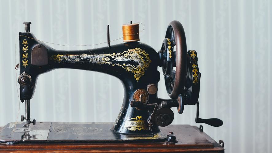 Photo pour article histoire de la machine à coudre